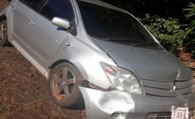 Arrolló a un peatón y huyó abandonando su vehículo