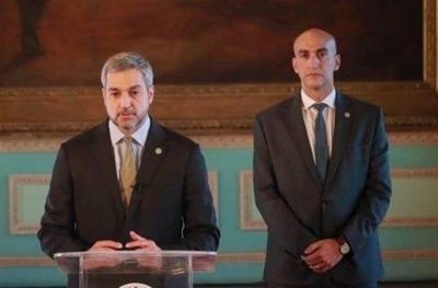 """HOY / Mario Abdo brinda su respaldo a Mazzoleni y destaca labor en Salud: """"Fuerza querido ministro"""""""