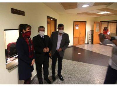 Con cuatro causas y sin apoyo, tres diputados piden juicio a Quiñónez