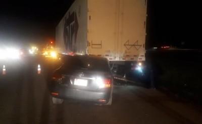 Otro vehículo embistió contra carrocería de camión sobre la Ruta PY 02