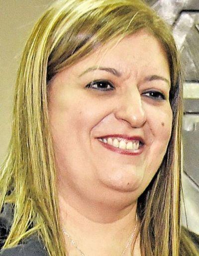 Dictaminan en mayoría en contra de juicio político a Quiñónez