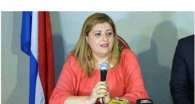 Llanistas y cartistas salvan a Sandra Quiñónez