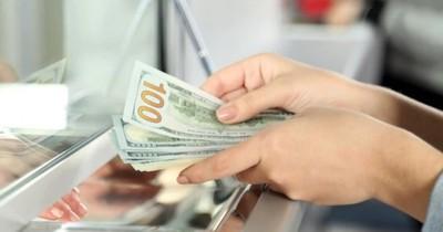 Saturación de dólares en el mercado paraguayo por falta de exportador