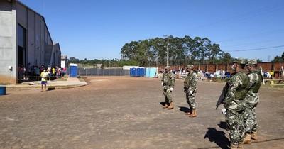 Médico de Sanidad dijo que militar con COVID-19 reportó un solo contacto