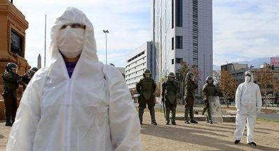 Chile registra 45 nuevos fallecidos por Covid-19 y en total supera los 800