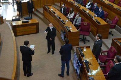 César Diesel jura como nuevo ministro de la Corte Suprema