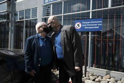 Costa Rica es el primer país centroamericano en aceptar el matrimonio igualitario