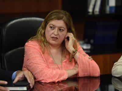 Diputados rechaza pedido de juicio político a Sandra Quiñónez