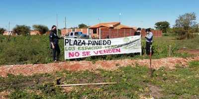 Aumenta tensión entre vecinos y ocupantes de futura plaza