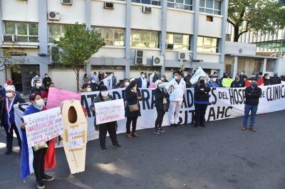 """Salud y Clínicas dieron """"un gran paso"""" para llegar a acuerdo tras manifestación"""