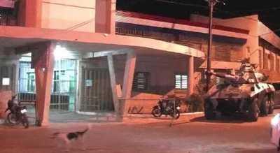 Tacumbú: Reclusos queman colchones, exigen visitas
