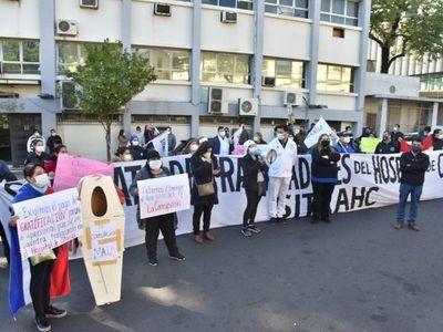 Mazzoleni se compromete en cumplir con pedidos de sindicatos de Clínicas