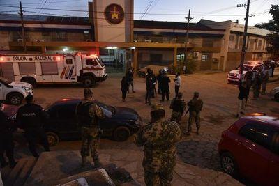 """Tacumbú: """"pasilleros"""" se manifiestan y queman colchones para exigir visitas"""