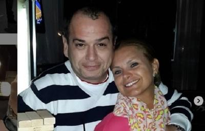 Carlos Troche y su esposa celebran su cuarto aniversario de bodas