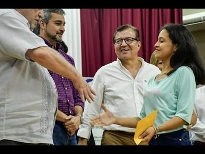 EN YACYRETA ASEGURAN QUE CUMPLIRÁN CON EL PROGRAMA BECAS GOBERNACIÓN