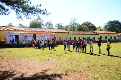 Más de un centenar de pobladores fueron atendidos en la Clínica Móvil