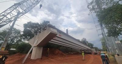 Colocan últimas vigas en viaducto en zona del Botánico