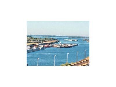 Salió el último convoy de barcazas en el río Paraná