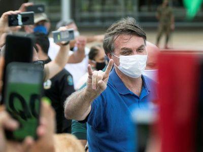 La mitad de los brasileños reprueba la gestión de Bolsonaro frente a pandemia