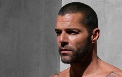 """HOY / Ricky Martin lanza por sorpresa una producción discográfica titulada """"PAUSA"""""""