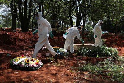 Brasil registra más de 1.000 muertos por COVID-10 por cuarto día consecutivo