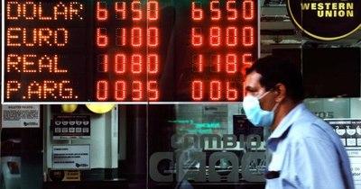 El dólar sube a su pico histórico de G. 6.550