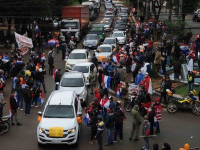 La Fiscalía abre causa por violación de cuarentena tras caravana en CDE