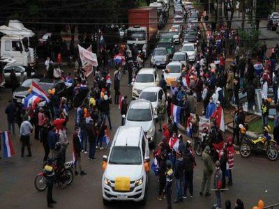 Fiscalía abre causa por violación de cuarentena tras caravana en CDE
