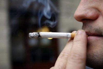 Fumadores con coronavirus tienen tres veces más posibilidades de desarrollar complicaciones