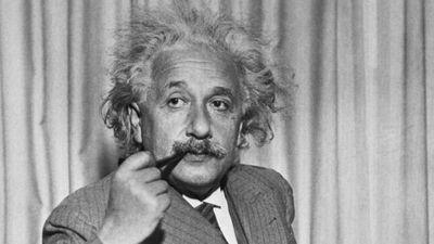 Lo que las matemáticas hicieron por Einstein y lo que Einstein hizo por las matemáticas