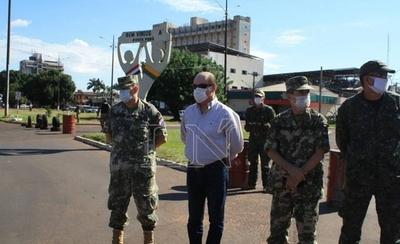 """HOY / """"Se debería construir una muralla para que sea efectivo al 100% el control"""", según ministro"""