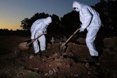 La pandemia se ceba con Brasil y EEUU rompe con la OMS