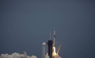 HOY / El Falcon 9 por fin parte con destino a la Estación Espacial Internacional