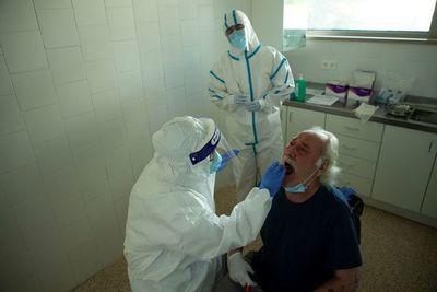 Cierran centro de salud y sede de Dinatran por casos de COVID-19