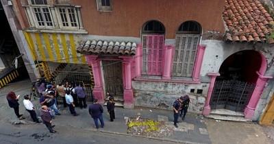 """""""Me llamaron de España"""", dice víctima de la broma sobre venta de la casa del terror"""