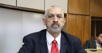 Senador denuncia que Itaipú derramó aguas para dejar salir soja