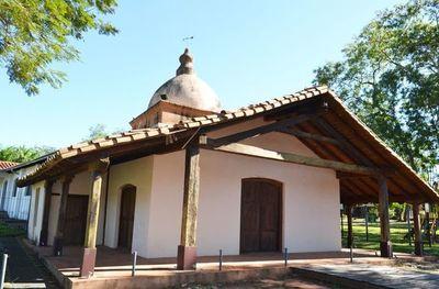 Antiguo oratorio de San Miguel se muestra  deteriorado nuevamente