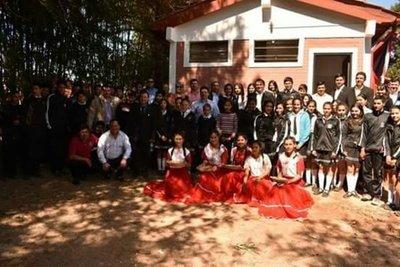 Inauguran obra en Colegio Reino de Holanda