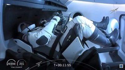 La cápsula de SpaceX se acopla a la Estación Espacial Internacional