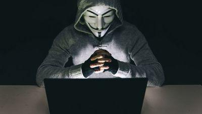 Reaparece Anonymous y amenaza con exponer a policías corruptos