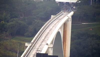 Privilegiados: dueños de comercios que viven en Brasil ingresaran a Ciudad del Este bajo estricto control sanitario.