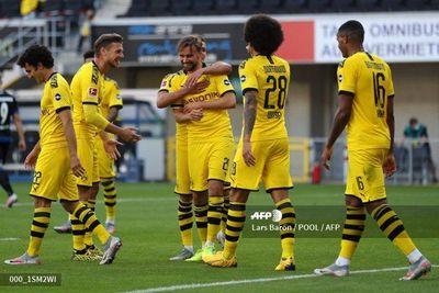 Con triplete de Sancho, Dortmund mantiene distancias