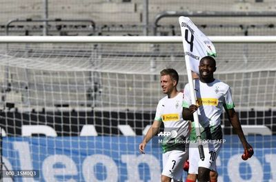Thuram y Plea llevan al 'Gladbach' al podio de la Bundesliga