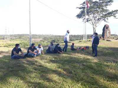 Detención de nueve personas por ingresar al país por el Paraná evidencia inacción de la Marina