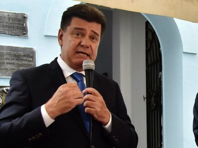 Fiscalía imputa a Efraín Alegre por producción de documentos falsos