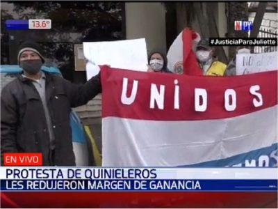 Quinieleros protestan por reducción de sus ganancias