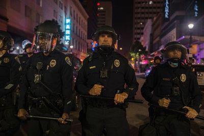 Jefe de ONU llama a investigar violencia policial en EE.UU.