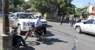 No está penado que alguien desvíe una barrera policial