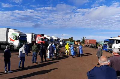 Test COVID-19 a choferes: Cerca de 600 camiones ingresan por día al país
