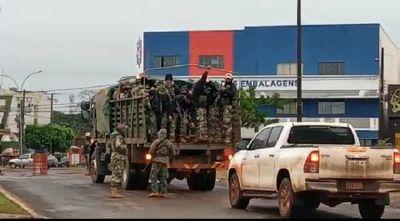 Ridículos: Con una camionada de militares pretenden cerrar frontera Pedro Juan